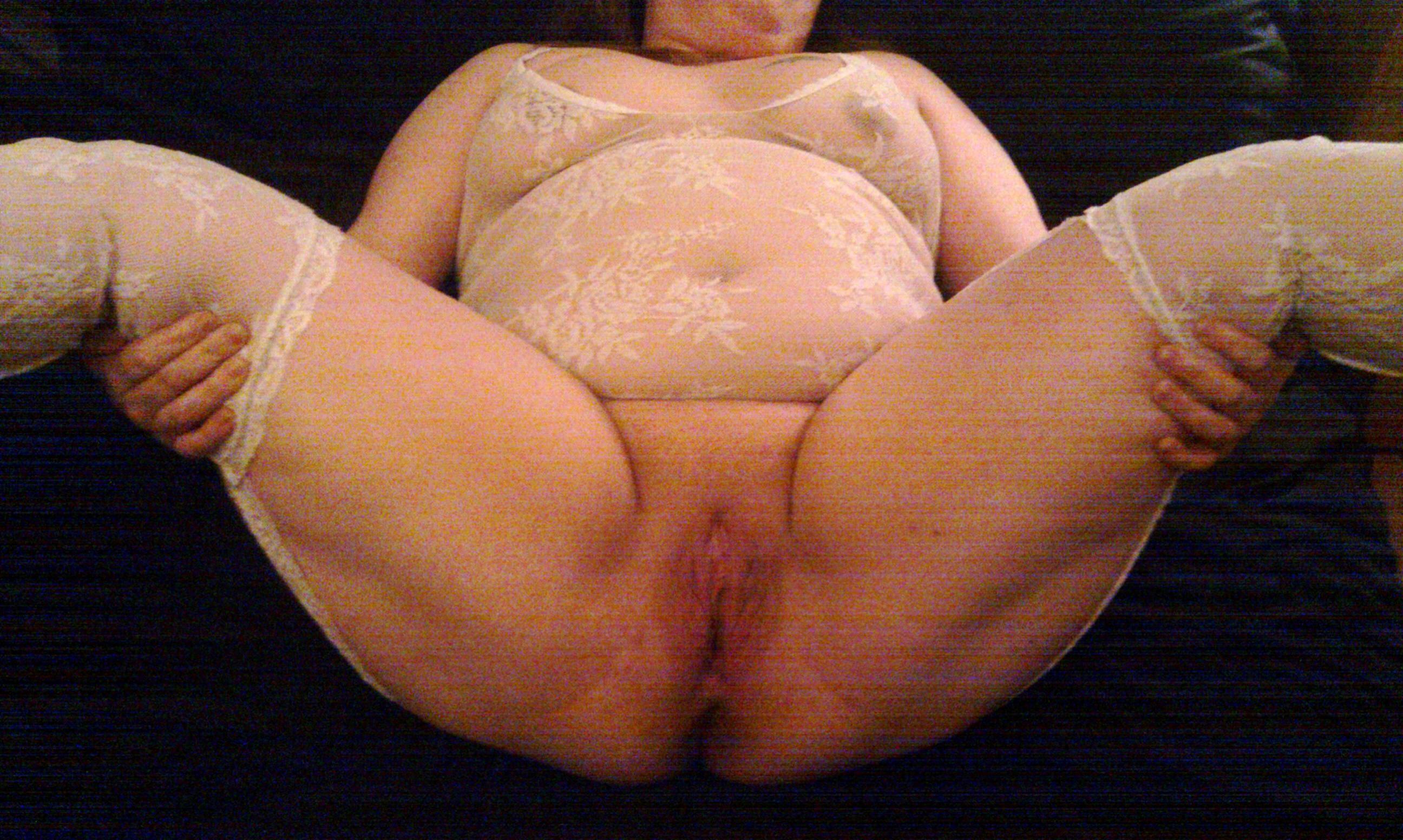 billiga töjningar nakna äldre damer