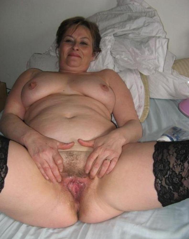 Otrogen hemmafru söker ny älskare för vänsterprassel